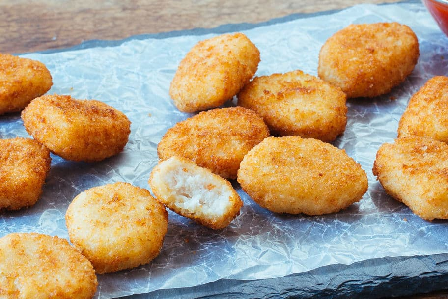 You are currently viewing How Long to Air Fry Frozen Chicken Nuggets?