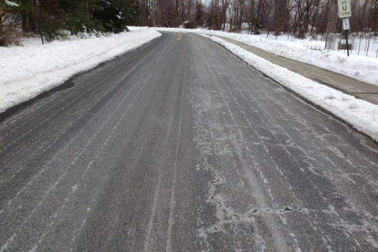 Read more about the article Best Ice Melt Compared (Asphalt, Concrete, Pet Safe, DIY)