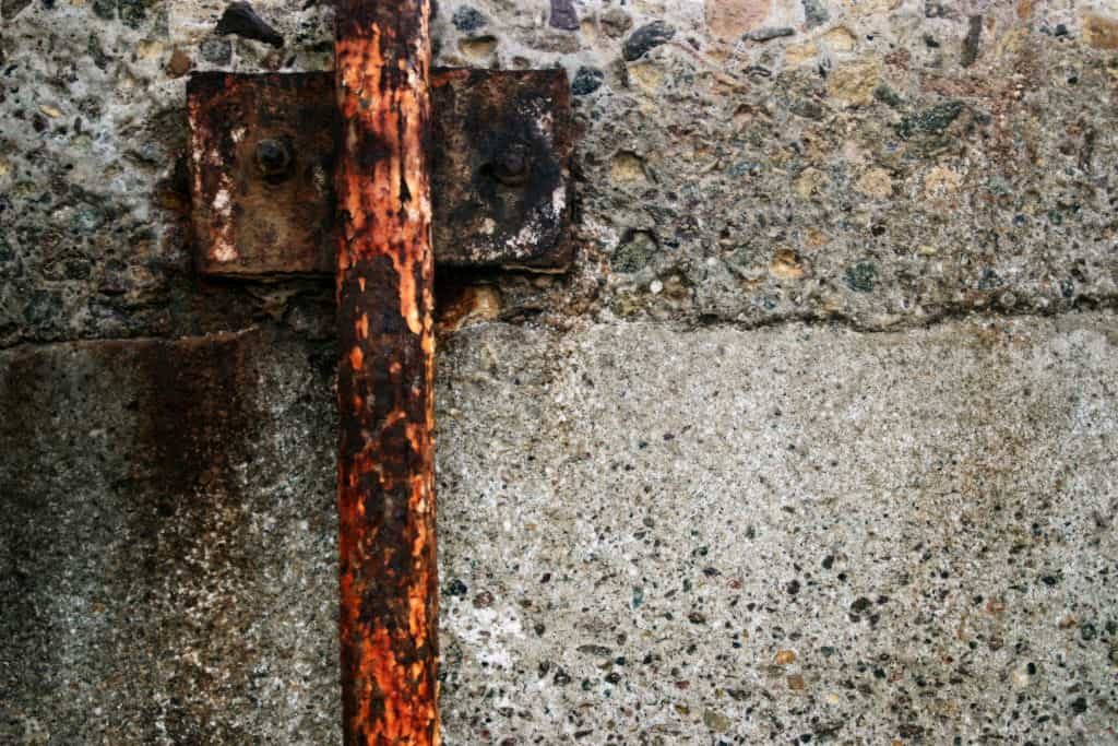 chloride (salt) corrosion on metal