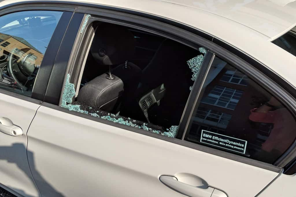 You are currently viewing Car Window Replacement Cost – When to Call Insurance?