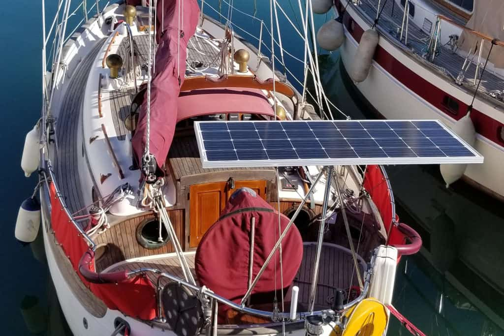 You are currently viewing 13 Best Solar Panels for Boats in 2021 (Ranked)